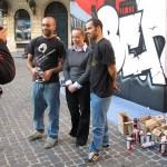 Giorgia Meloni con Zeus40 e Rota durante la performance W3 -  XIX anno dalla caduta del Muro di Berlino
