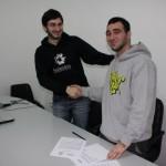 DoTheWriting! Puglia: Antonio Bonatesta (presidente ACU Kaleidos) e Andrea Mr. Wany Sergio (presidente ACU Artefice) subito dopo la firma della manifestazione di interesse. Lecce, 3 gennaio 2010.