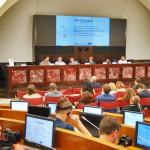 Le ACU presentano le rispettive proposte di valorizzazione del fenomeno agli Stati Generali della Creatività Urbana. Al microfono, Caktus, presidente dell'ACU Kaleidos
