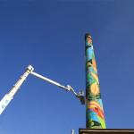 La street art degli Orticanoodles colora la ciminiera Branca
