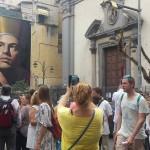 ''Gennaro''  fotografato da turisti e curiosi
