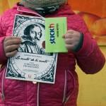 Una copia de ''Lo Cunto de li Cunti'' donata ai bambini del Parco dei Murales per avviare il bookcrossing condominiale