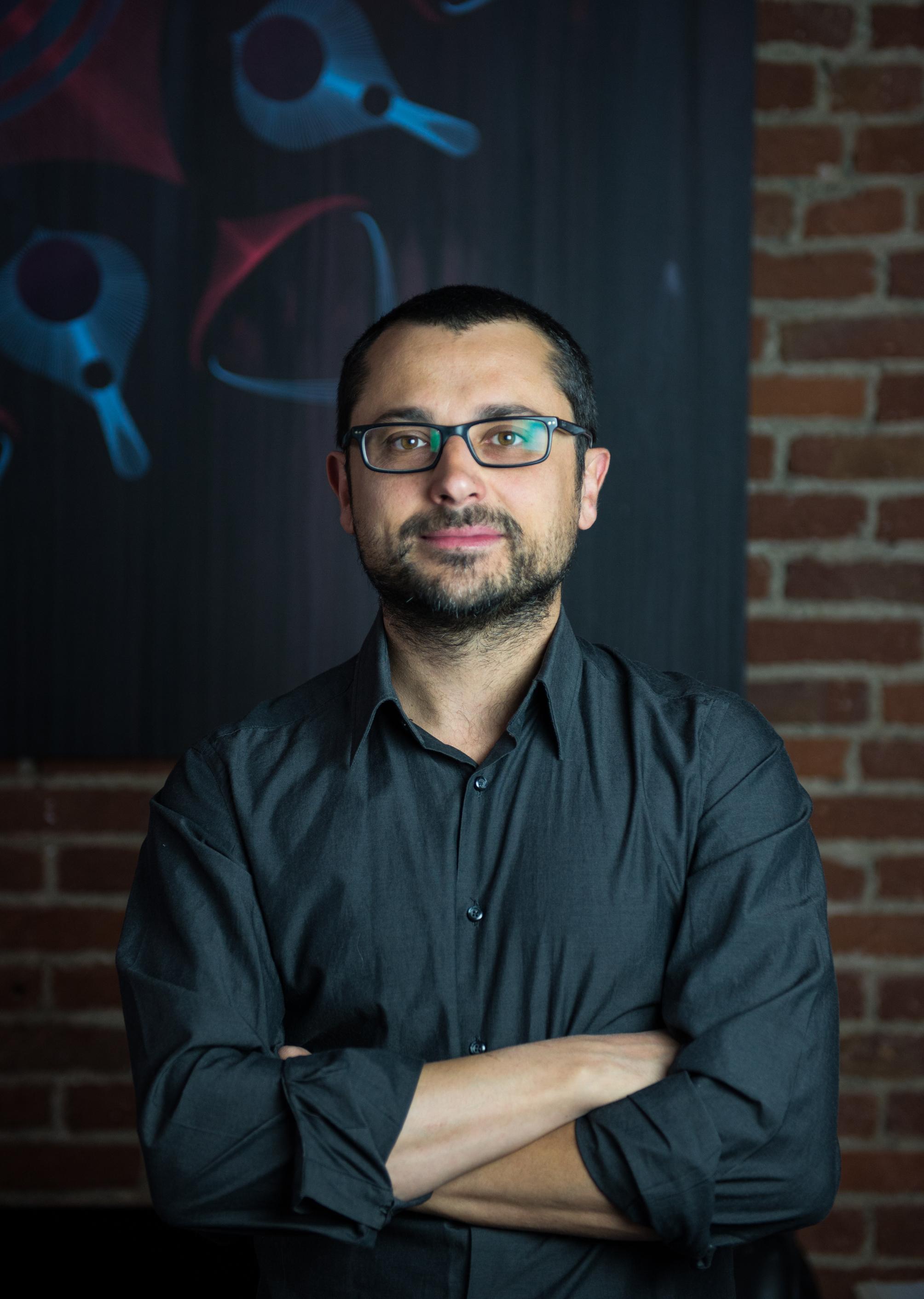 Riccardo Corn79 Lanfranco, artista, fondatore dell'ACU il Cerchio e le Gocce e  direttore artistico di importanti progetti legati alle culture urbane