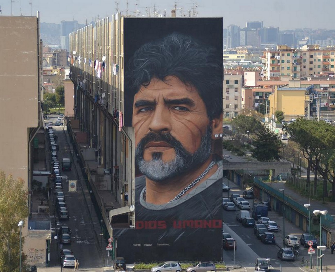"""""""Diego"""": il murale più grande di Napoli Est firmato da Jorit"""