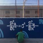 """""""Street Maths"""", l'intervento di Zeus40 presso la stazione di San Giovanni a Teduccio, work in progress"""