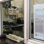 """Locandina di presentazione dell'opera """"Bellavista"""" affissa in stazione"""