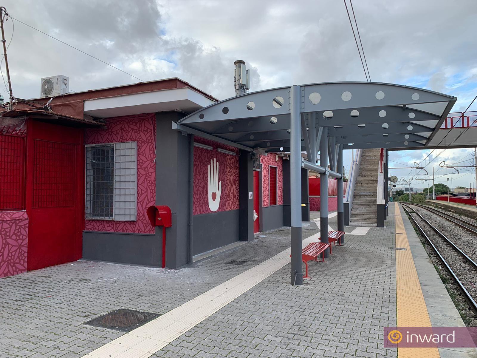 L'opera di Raro alla stazione Santa Maria del Pozzo